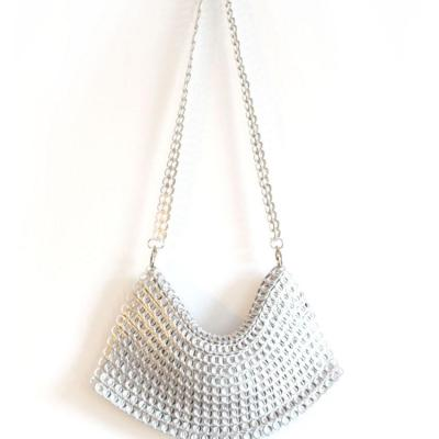 1 4 l clutch white b back