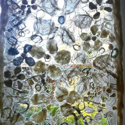 Bain fleuri tableau textile en laine lin et soie 80x135cm