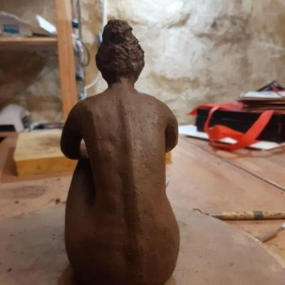 Joelle sculpture dos