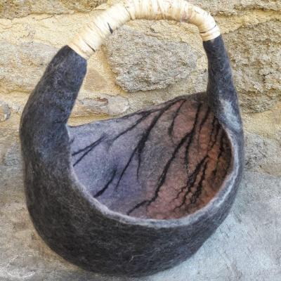 Panier en laine feutree