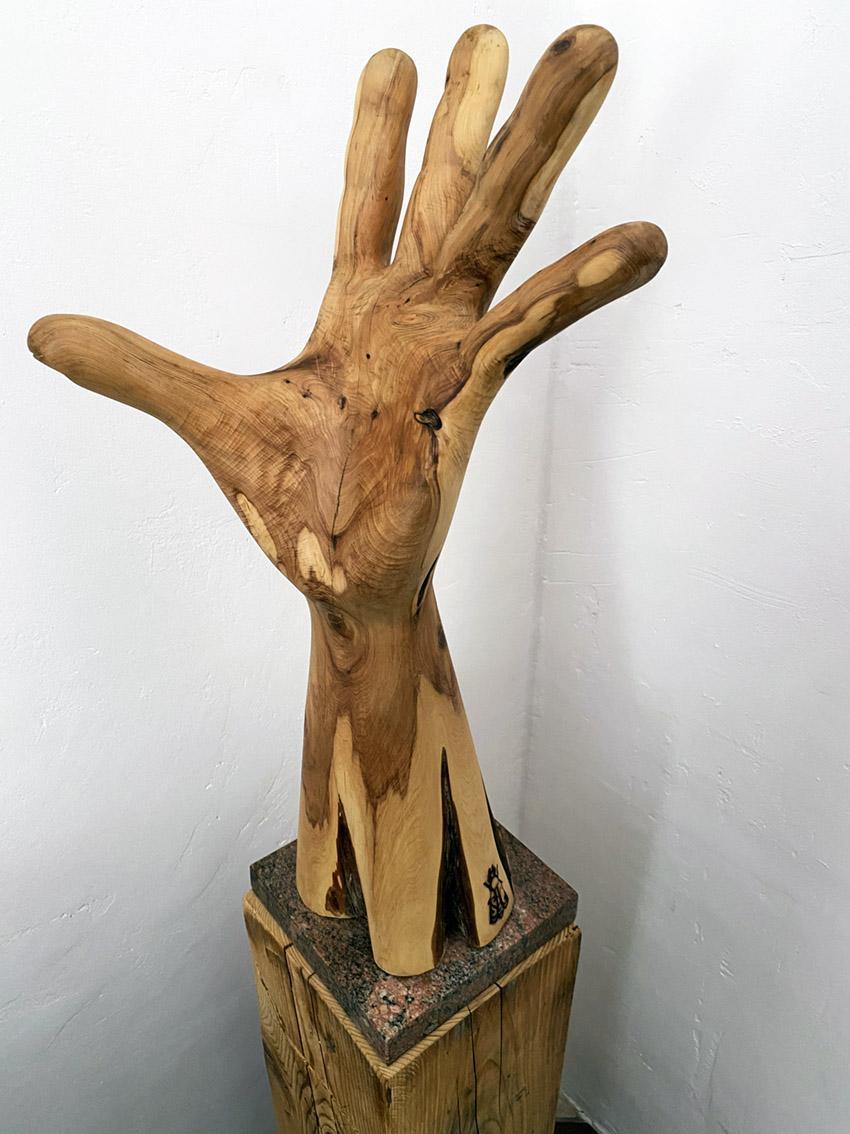 Une main tendue